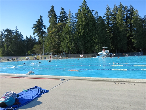 stanley-park-van-05080-second-beach-outdoor-pool